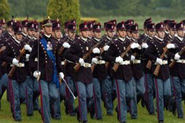 Allievo Ufficiale dell'Esercito Italiano: ma quali sono gradi e ruoli della carriera militare?
