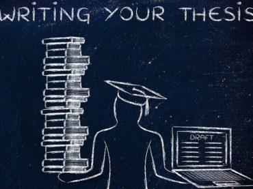 Scienze politiche Torino: addio alla tesi di laurea triennale?