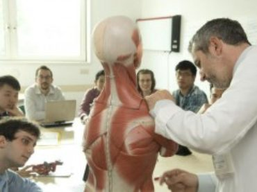 Humanitas University: bando di ammissione a Medicina in lingua inglese a.a. 2014/2015